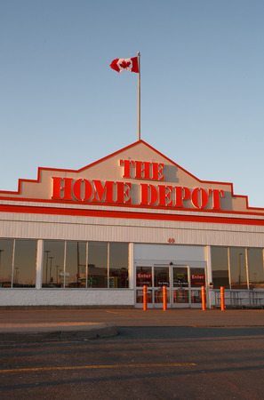 retailer: DARTMOUTH, CANADA - APRIL 06, 2014: The Home Depot is a home improvement retailer. It operates retail stores across the United States, all provinces of Canada and in Mexico. Editorial