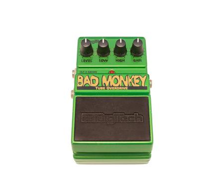 superdirecta: Pleasant Valley, Canad� - 06 de abril 2015: Bad Monkey efecto de guitarra pedal. DigiTech es una empresa estadounidense que fabrica diversos efectos de guitarra incluido el Bad Monkey Overdrive. Editorial