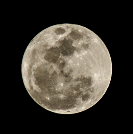 astro: An isolated super moon