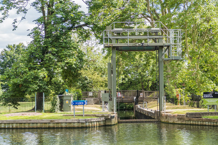 ouse: Bedford Lock on the River Great Ouse Stock Photo