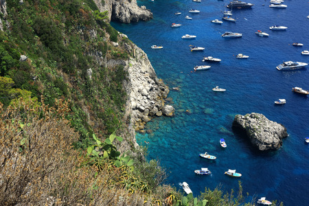 Rocky coastline of Capri Stock Photo - 106783824