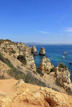 A view of the rocky cliffs at the Ponta Da Piedade heandland