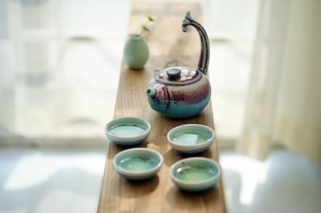tea set: Glazed ceramic tea set