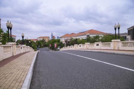 one lane:  highway