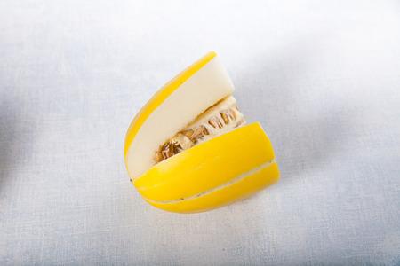 cut: Cut the yellow melon