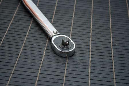 torque: Torque Handle for screw down