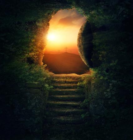 sunrise: Der Stein wird aus dem Grab am Ostermorgen weggerollt.