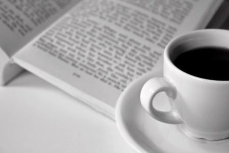 Espresso and a book Reklamní fotografie - 15536685