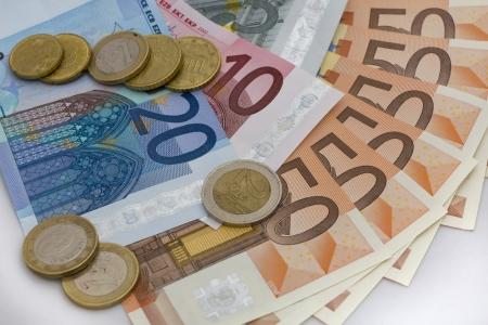 billets euro: Billets de banque et pièces en euros