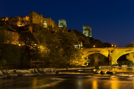 Durham Cathedral and castle over Framwellgate bridge in Durham City at night Reklamní fotografie - 20355479