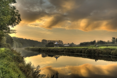 bandstand: The River Wear in the north of Durham City reflecting the sunrise  Stock Photo