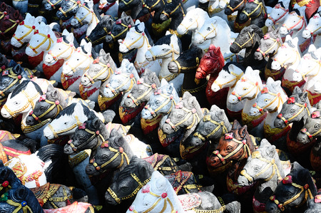 make belief: Horse dolls for offerings to Holy thing