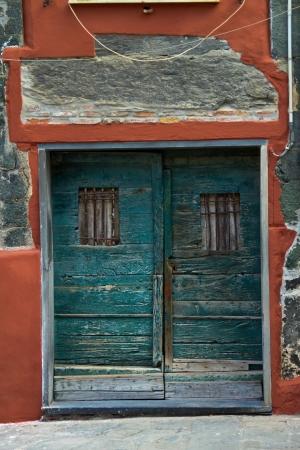 vernazza: Doorway in Vernazza, Cinque Terre Stock Photo