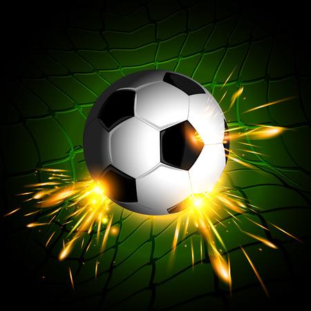 pelota de futbol: iluminaci�n de bal�n de f�tbol en la red con el fondo verde oscuro