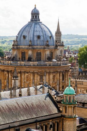 Oxford city skyline with Radcliffe Camera in foreground 版權商用圖片