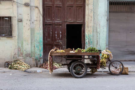 Havana, Cuba, 6.12.2018 Motorcycle in the street used for transport of goods Imagens