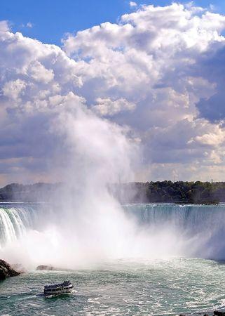 horseshoe falls: Mist at the Horseshoe Falls, Niagara Falls Stock Photo