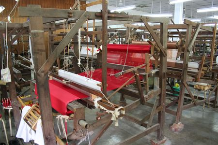Machine for weaving silk cloth photo