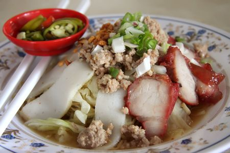 chinese noodle: Traditional chinese noodle dish with sliced meat