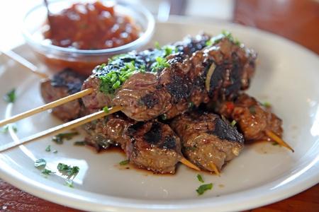 healthful: Carne de vacuno de carne atraviesa comida saludable de kebobs baja en grasas saludables