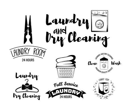 lavanderia e pulitura a secco, set da stiro servizio di vettore emblemi neri, etichette, distintivi ed elementi di design isolato su sfondo bianco. Loghi Modelli con lavatrice Vettoriali
