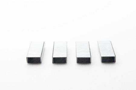 Grapas Stick  clip que se puede utilizar con la grapadora para organizar papel.