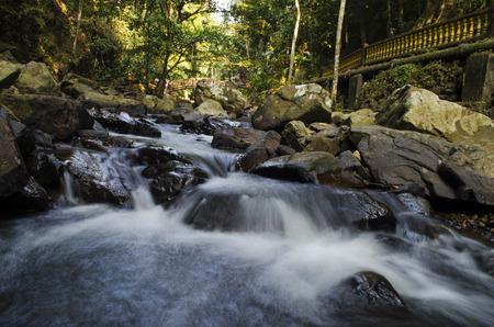 """Disparar agua del r�o natural en una ma�ana. Situado en Kedah, Malasia. """"La imagen tiene un poco de grano o ruido y enfoque ligeramente suave cuando miras a la m�xima resoluci�n."""""""