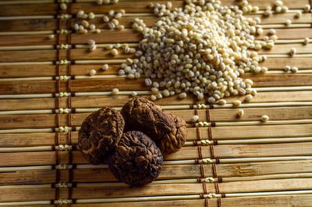 shitake: shitake mushroom and barley seed