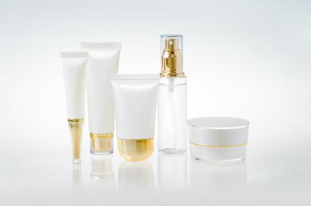 Ensemble de contenants de cosmétiques