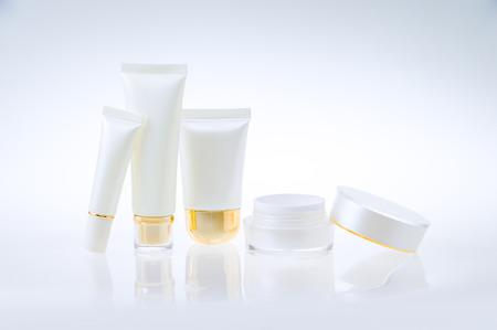 productos de belleza: Conjunto de envases cosméticos