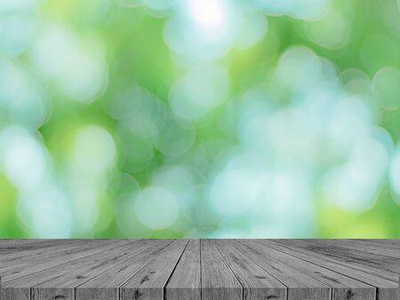Table en bois vide avec concept de produit de parc Spring
