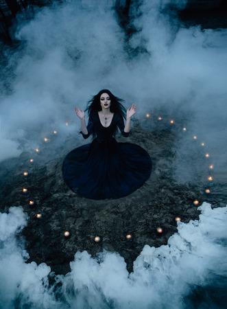 modne tonowanie, oszczędny kolory komputerowe, W przeddzień Helloween witch wyczarować i postanowił przyrządzić miksturę w zbiorniku, stojący w pobliżu mistycznego jeziora.