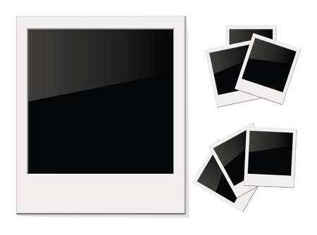 stapel papieren: Lege glanzende foto Polaroid, Geà ¯ soleerd op witte achtergrond