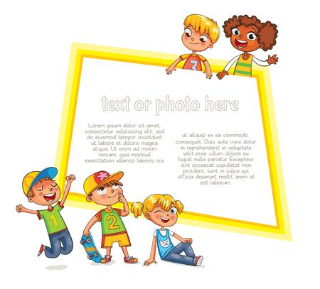 Vector children: Mẫu tờ rơi quảng cáo. Sẵn sàng cho thông điệp của bạn. Trẻ em nhìn lên với lãi suất. Kid chỉ vào một mẫu trống. Hài hước nhân vật hoạt hình. Vector minh họa. Cô lập trên nền trắng Hình minh hoạ