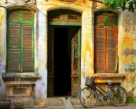 vietnam: Old House in Hanoi Stock Photo