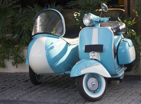 sidecar: Scooter and Sidecar