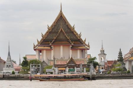 chao: Wat Kanlayanamitr on the Chao Phraya river, Bangkok, Thailand Stock Photo
