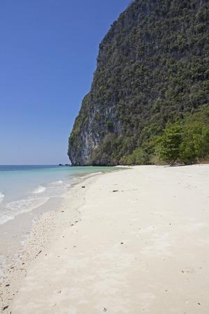 yai: Tropicale sulla spiaggia di Koh Rok Yai, Provincia di Trang, Thailandia