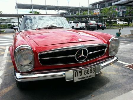 mercedes: Mercedes 280sl Stock Photo