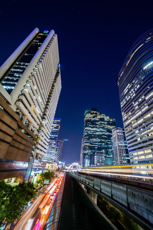 no rush: Sky-Train at night