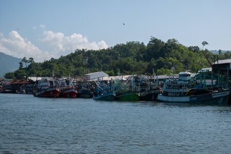 Thai fishing boat at Phangnga Bay, Thailand Foto de archivo - 140904458