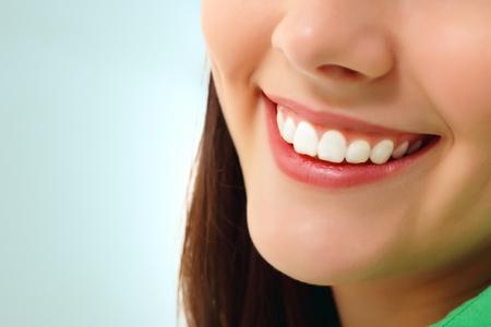 dentition: perfetto sorriso sano teen girl dente allegra isolata