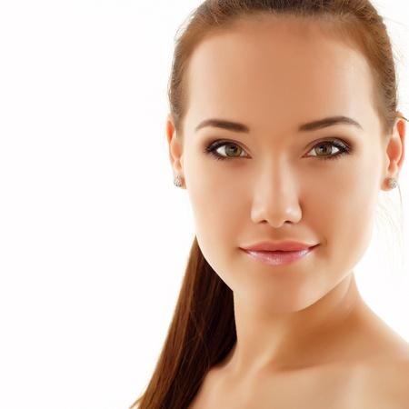 십 대 소녀 아름 다운 쾌활 격리 된 흰색 배경에 즐기는