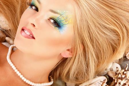 maquillaje fantasia: sirena adolescente hermosa chica de maquillaje