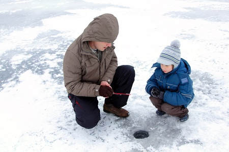 winter fishing family leisure outdoor photo