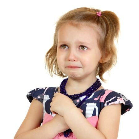 niño llorando: llorando la niña, aislado en blanco