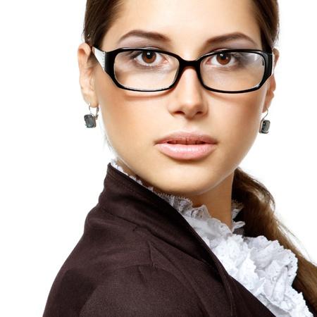 glass eye: Retrato de mujer de negocios atractiva con gafas, aislado en blanco, estudio