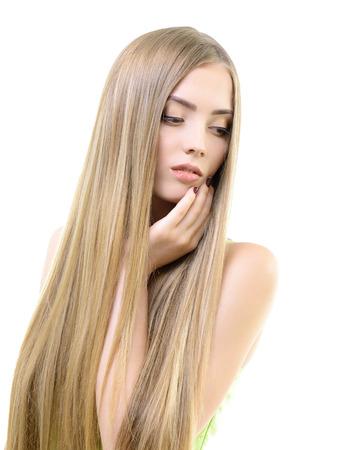 cabello lacio: Cabello. Chica bond hermosa con el pelo largo sano. Haicare y peinado.