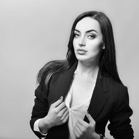 labios sexy: Gorgeous Fashion Girl, en blanco y negro Foto de archivo