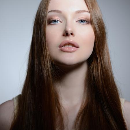 mujer bonita: Retrato de mujer joven y bonita, primer Foto de archivo